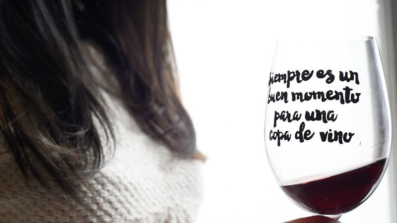 Los beneficios de una copa de vino