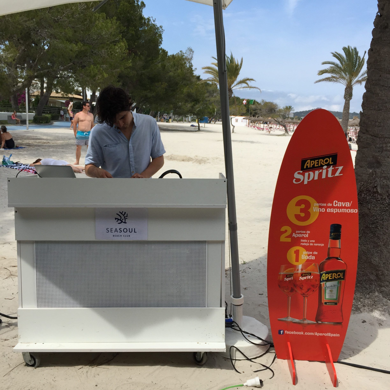 SeasoulBeach-Iberostar-CiudadBlanca-Alcudia-Mallorca-comida-playa-AmartPalma-DJ-Aperol