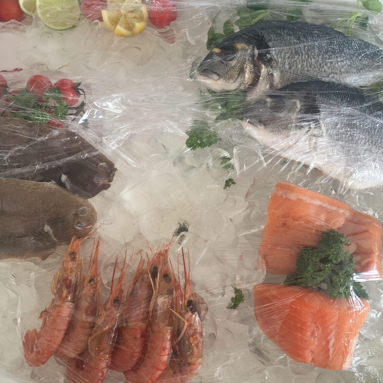 SeasoulBeach-Iberostar-CiudadBlanca-Alcudia-Mallorca-comida-playa-AmartPalma-pescado-fresco