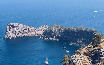 Driveando: conocer Mallorca a través de una emisora portátil